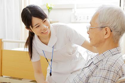 白内障はさまざまな原因で起こりますが、最も多いものは加齢によるもので、「加齢性白内障」「老人性白内障」と呼ばれています